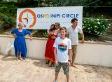 Osho Inipi Circle 21° anno - domenica, verso la foto di gruppo
